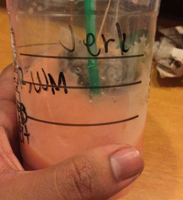 Ghi nhầm tên khách là quả báo, đồng trinh, Starbucks gây cười đến mức khách hàng muốn giận cũng giận không nổi - Ảnh 7.