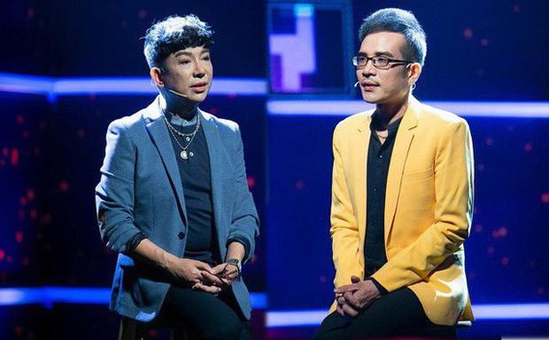 """Long Nhật đeo khăn tang, lo toan như người thân trong gia đình tại tang lễ """"người tình âm nhạc"""" Vương Bảo Tuấn - Ảnh 3."""