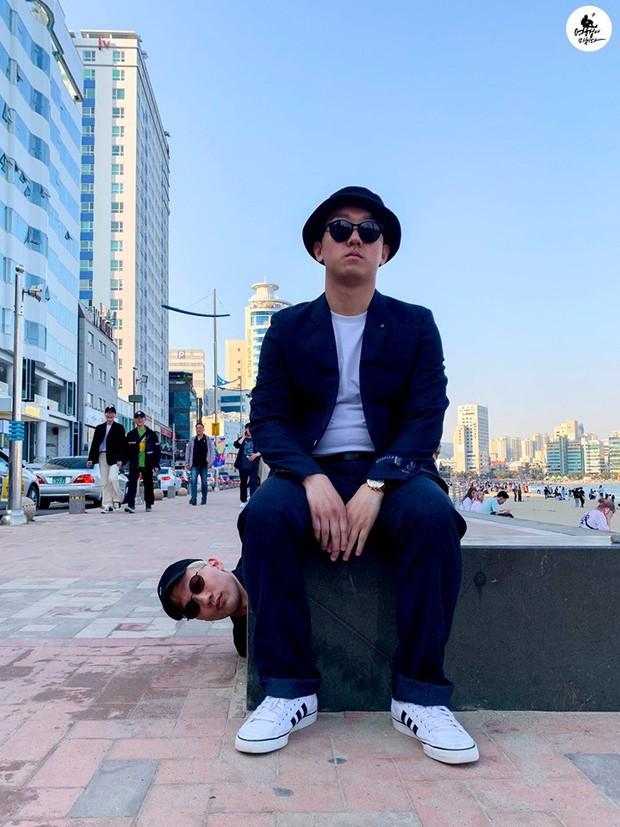 Gợi ý chụp ảnh cho hội con trai khi đi du lịch: Tạm biệt những kiểu pose dáng buồn tẻ, thần thái điên thế này mới đang là mốt - Ảnh 12.