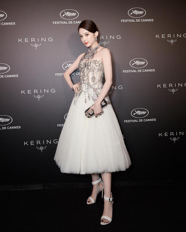 Mỹ nhân bị nhầm với Ngọc Trinh: Nàng công chúa Hoa ngữ đẹp ná thở tại Cannes bất chấp ảnh không photoshop - Ảnh 11.