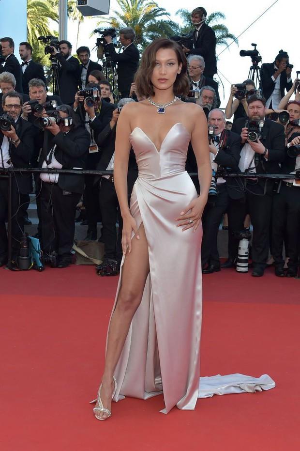 30 màn thả dáng có thần thái đi vào huyền thoại Cannes: Không cần trò vạch, phơi lồng lộn vẫn chiếm trọn spotlight! - Ảnh 24.