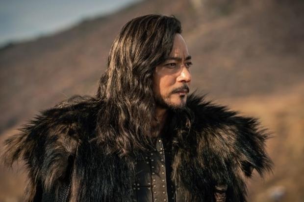 Tung một rổ poster tưởng khuấy đảo diện rộng, bom tấn của Song Joong Ki bị hiểu nhầm là Asgard nhà anh Thor béo vì lí do này! - Ảnh 3.