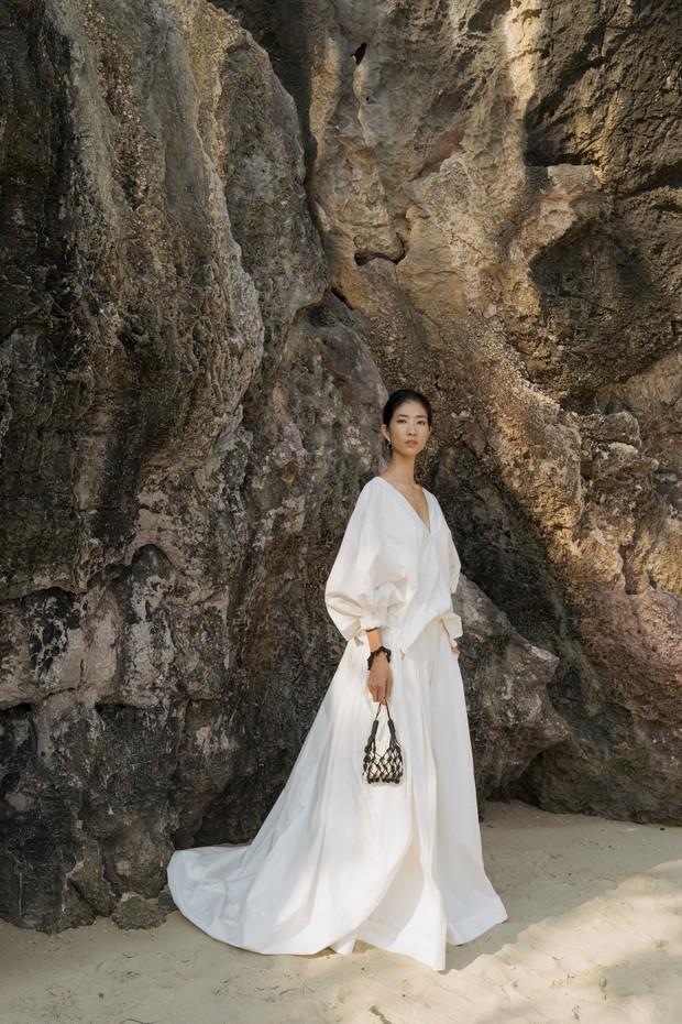 Trình diễn trên đảo hoang sơ, Fashion Voyage có những khoảnh khắc đẹp nín thở, tôn trọn vẹn vẻ đẹp kỳ quan của Vịnh Hạ Long - Ảnh 10.