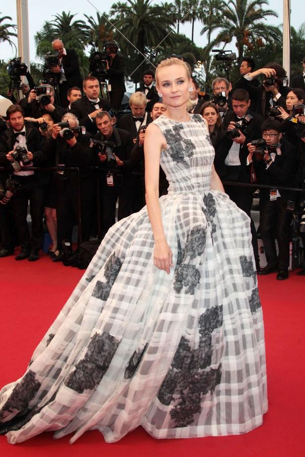 30 màn thả dáng có thần thái đi vào huyền thoại Cannes: Không cần trò vạch, phơi lồng lộn vẫn chiếm trọn spotlight! - Ảnh 13.