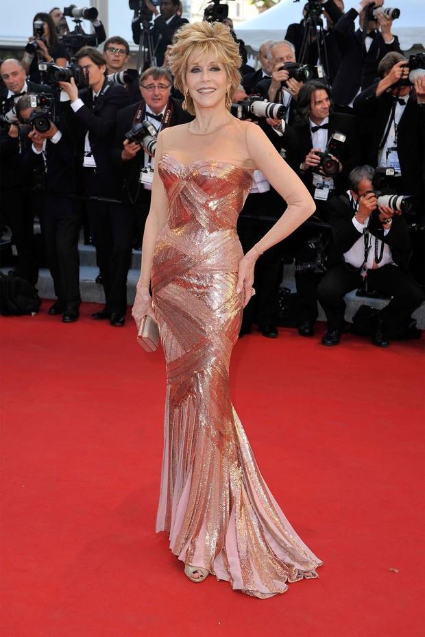 30 màn thả dáng có thần thái đi vào huyền thoại Cannes: Không cần trò vạch, phơi lồng lộn vẫn chiếm trọn spotlight! - Ảnh 14.