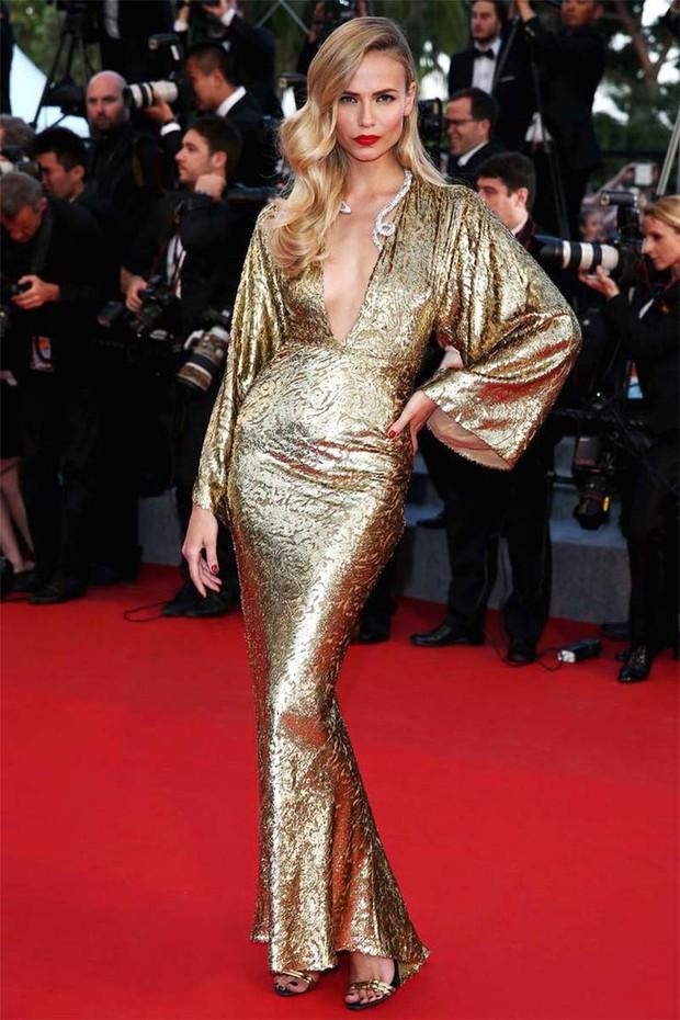 30 màn thả dáng có thần thái đi vào huyền thoại Cannes: Không cần trò vạch, phơi lồng lộn vẫn chiếm trọn spotlight! - Ảnh 20.