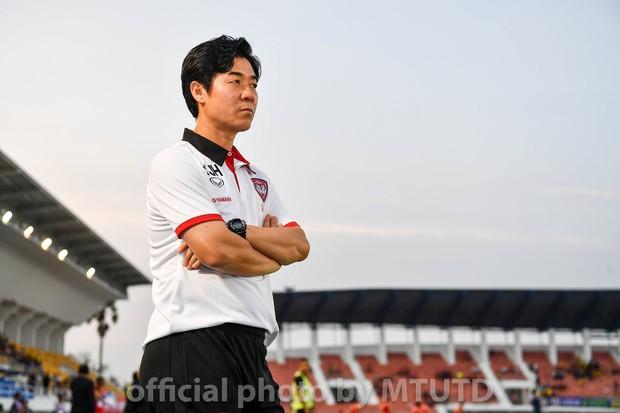 CLB của Đặng Văn Lâm lại nổi sóng ngầm, tính sa thải HLV trưởng lần thứ 2 trong mùa giải - Ảnh 1.