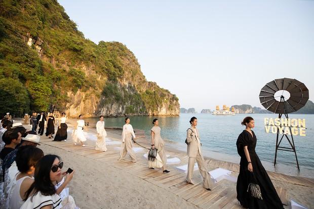 Trình diễn trên đảo hoang sơ, Fashion Voyage có những khoảnh khắc đẹp nín thở, tôn trọn vẹn vẻ đẹp kỳ quan của Vịnh Hạ Long - Ảnh 14.