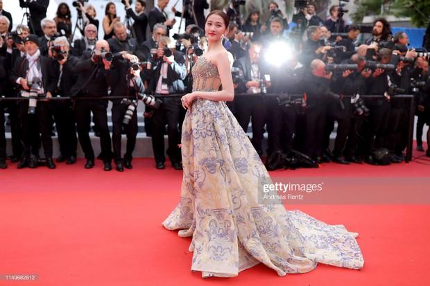 3 cấp độ quyền lực thảm đỏ ở Cannes: Phạm Băng Băng mới chỉ hạng VIP, còn Ngọc Trinh hạng chíp chíp? - Ảnh 15.