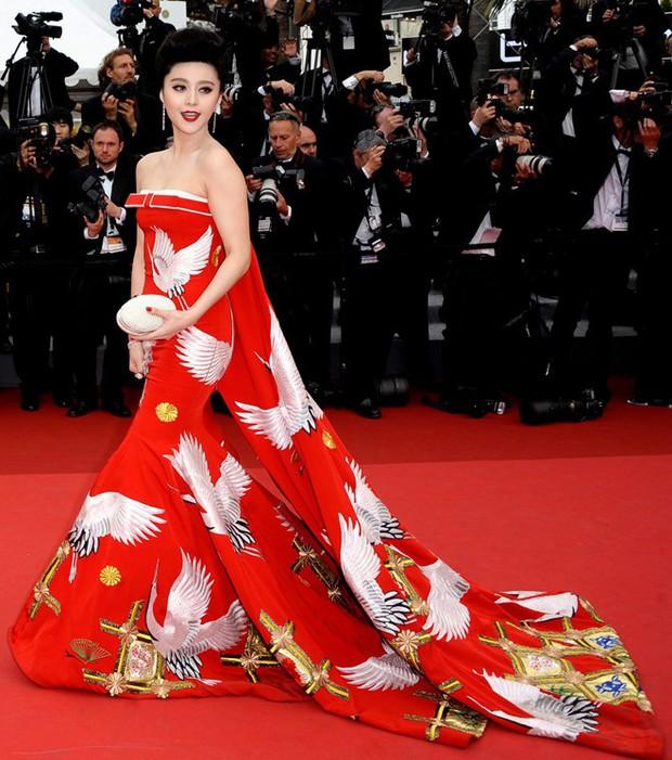 3 cấp độ quyền lực thảm đỏ ở Cannes: Phạm Băng Băng mới chỉ hạng VIP, còn Ngọc Trinh hạng chíp chíp? - Ảnh 17.