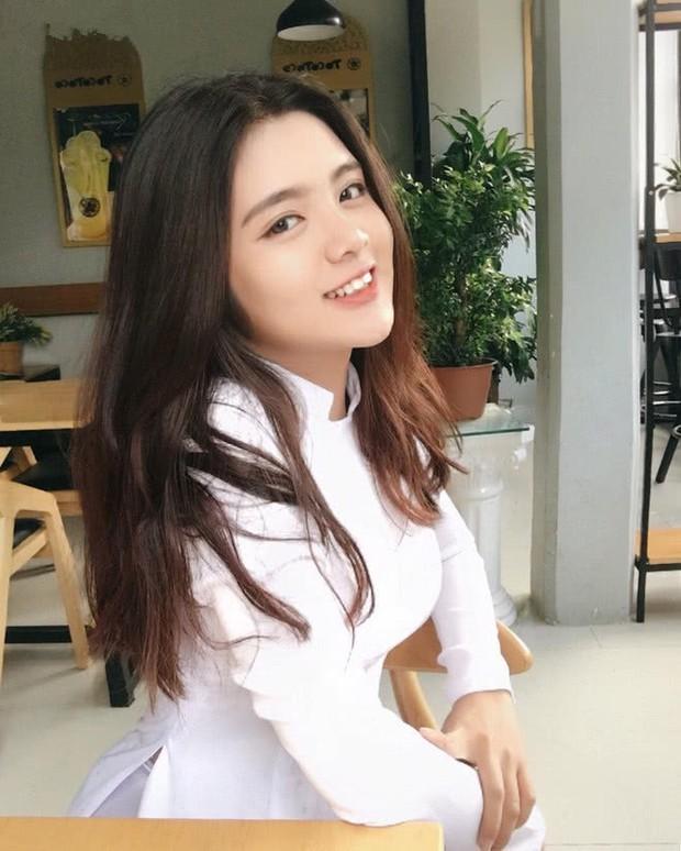 Mặc áo dài vẫn ngút ngàn thần thái, hội gái xinh liên tục khiến dân mạng Việt liêu xiêu, báo Trung thì hết lời ca ngợi - Ảnh 12.