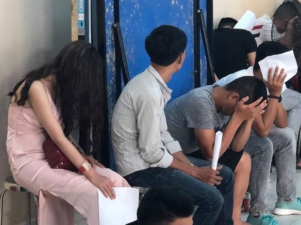 Đột kích vũ trường lớn nhất Đà Nẵng, phát hiện 75 nam nữ phê ma túy - Ảnh 4.