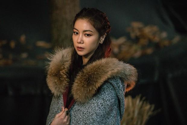 Trình liên tưởng vô cực của netizen:  Từ Song Joong Ki nhìn ra siêu sao vũ trụ HKT này! - Ảnh 24.