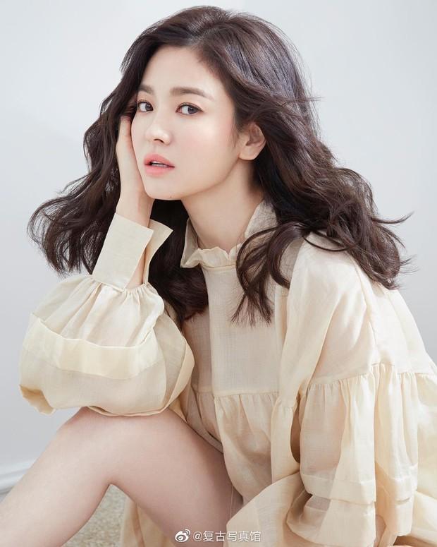 Khiến triệu người mê mẩn vì đẹp tựa nữ thần, nhan sắc ngoài đời của Song Hye Kyo trong mắt trẻ con ra sao? - Ảnh 3.