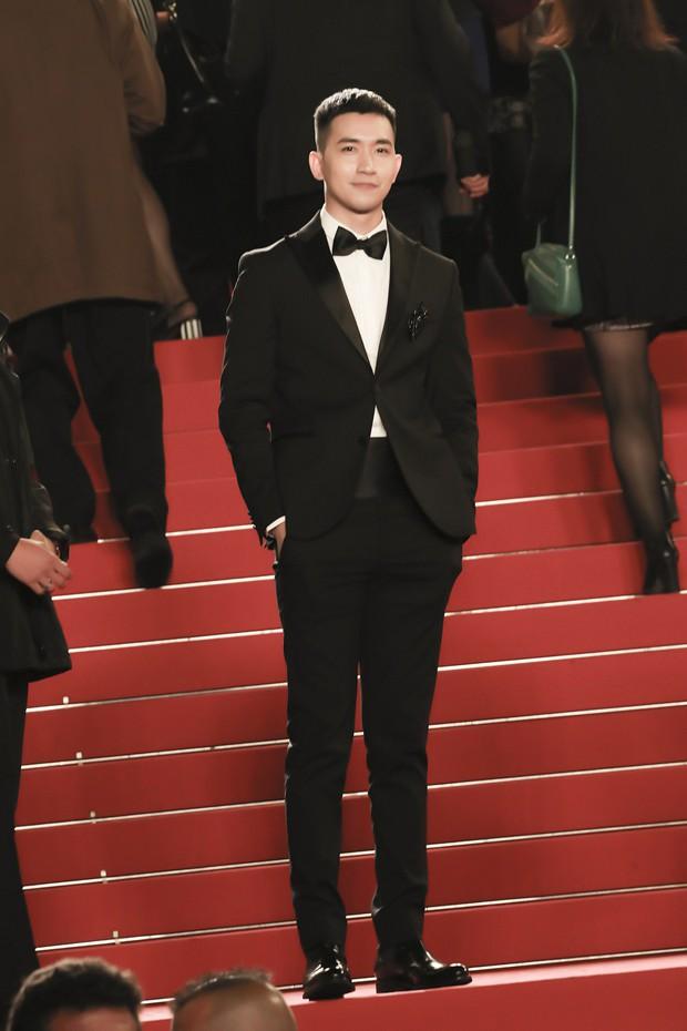 Không chọn ồn ào như Ngọc Trinh, Võ Cảnh lịch lãm xuất hiện trên thảm đỏ Cannes ngày thứ 6 - Ảnh 6.
