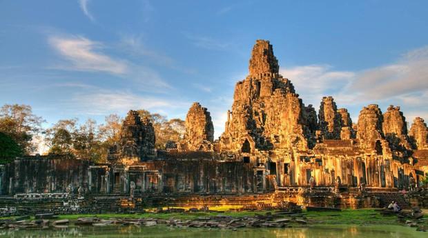 Lưu ngay danh sách 60 quốc gia miễn visa cho người Việt Nam du lịch ngắn ngày: Vi vu nước ngoài chưa bao giờ nhiều lựa chọn đến vậy! - Ảnh 2.