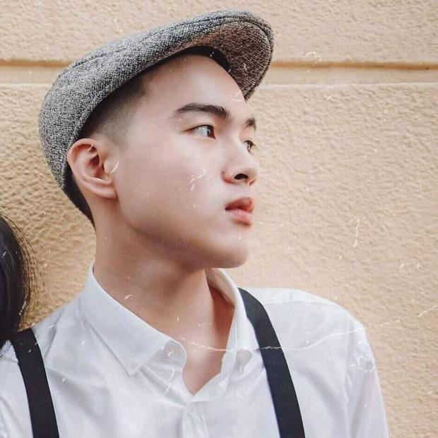 Nam sinh Hà Nội ước hết đẹp trai trong bộ ảnh kỷ yếu khiến dân mạng tò mò xem nhan sắc thật ra sao mà tự tin vậy - Ảnh 2.