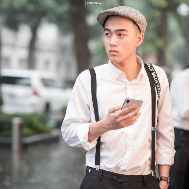 Nam sinh Hà Nội ước hết đẹp trai trong bộ ảnh kỷ yếu khiến dân mạng tò mò xem nhan sắc thật ra sao mà tự tin vậy - Ảnh 3.