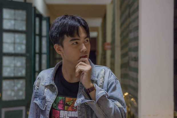 Nam sinh Hà Nội ước hết đẹp trai trong bộ ảnh kỷ yếu khiến dân mạng tò mò xem nhan sắc thật ra sao mà tự tin vậy - Ảnh 5.