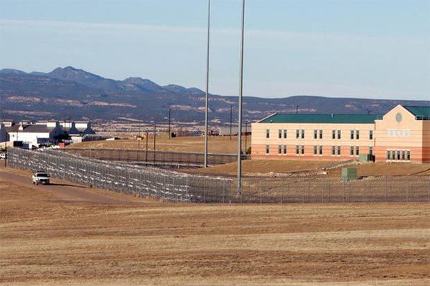 Cận cảnh nhà tù khiếp đảm nhất nước Mỹ - Ảnh 1.