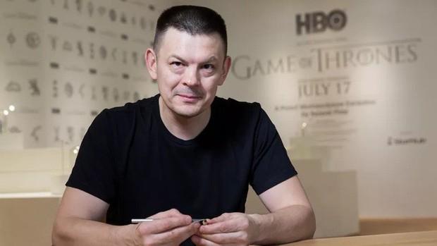 Thanh niên khéo tay ngồi đẽo ngòi bút chì thành bộ gia huy Game of Thrones siêu nhỏ - Ảnh 3.