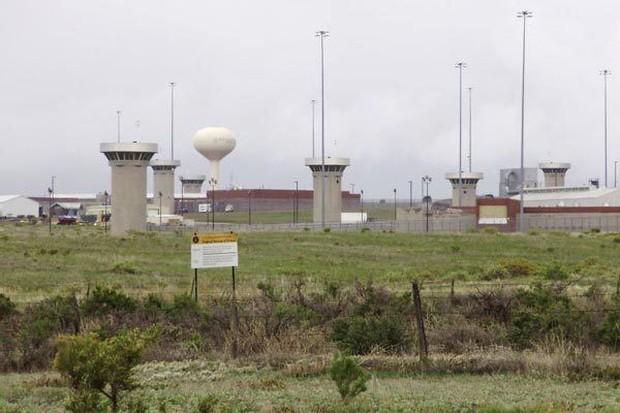 Cận cảnh nhà tù khiếp đảm nhất nước Mỹ - Ảnh 16.