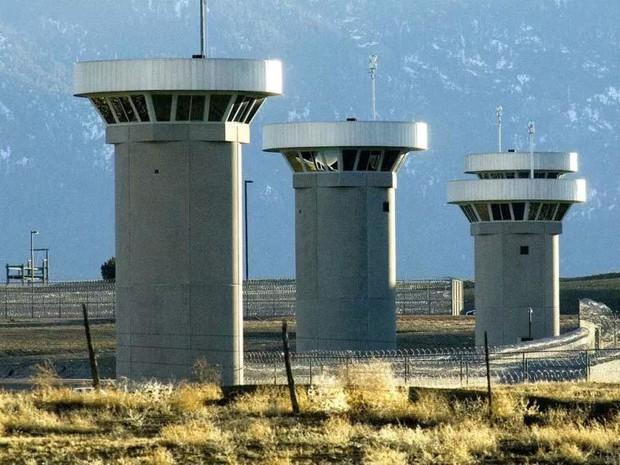 Cận cảnh nhà tù khiếp đảm nhất nước Mỹ - Ảnh 4.