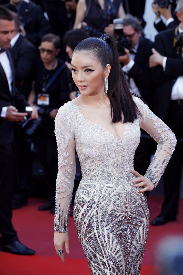 Giữa ồn ào đạo nhái, NTK Lê Thanh Hòa từng có 2 siêu phẩm giúp Lý Nhã Kỳ tạo hiệu ứng thảm đỏ liên tiếp tại LHP Cannes - Ảnh 6.
