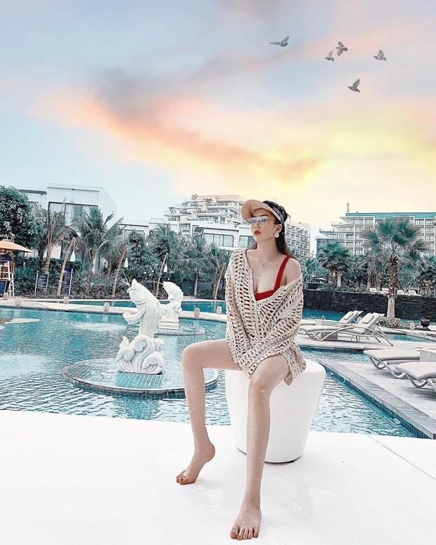 Dư Hàng My - em họ Hương Tràm đang thắng thế trong cuộc chiến bikini hè này với body nóng bỏng miễn bàn dù chỉ cao 1m53 - Ảnh 4.
