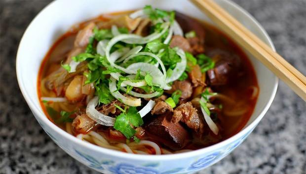 Mỗi miền tổ quốc Việt Nam đều có một vài món bún nức tiếng, dành cả thanh xuân chắc cũng chưa ăn được hết - Ảnh 3.