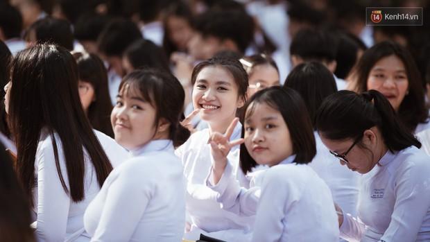 Đẹp đến mức không có chút tỳ vết, cô bạn trường Trưng Vương (TPHCM) chiếm toàn bộ spotlight lễ bế giảng - Ảnh 7.
