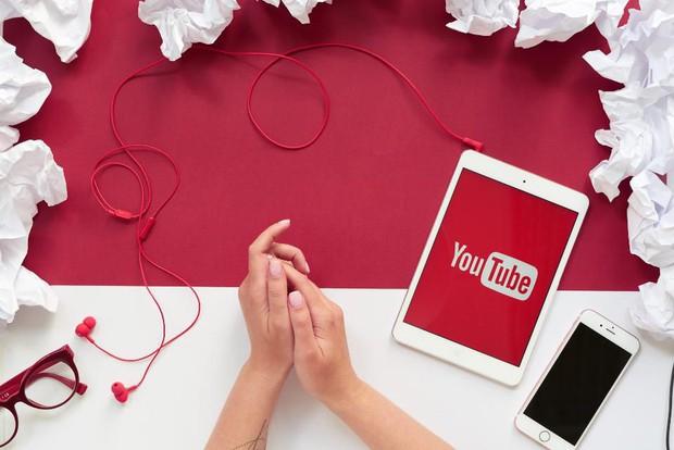 Các cụ nông dân thi nhau debut làm YouTube, phải chăng kiếm tiền trên đó dễ như chơi? - Ảnh 4.