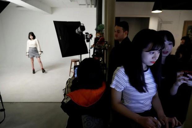 Thiếu nữ Nhật và ước mơ trở thành thần tượng Kpop: Đánh đổi và hy sinh cuộc sống, tiền bạc lẫn danh tiếng để được nổi tiếng ở Hàn Quốc - Ảnh 8.