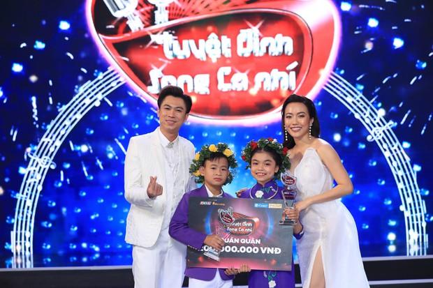 Tuyệt đỉnh song ca nhí 2019 kết thúc với chiến thắng của đội Hồ Việt Trung - Diệu Nhi - Ảnh 2.