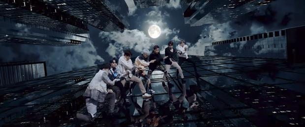 Nhờ MV mới của GOT7, TWICE, ITZY và Stray Kids mà JYP được phong ông hoàng địa ốc, lí do vì sao? - Ảnh 1.