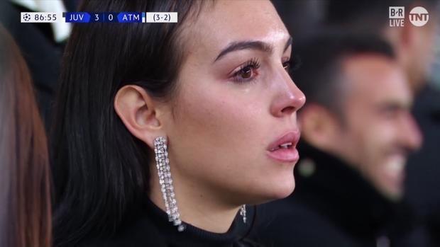 Tuyển tập những khoảnh khắc khiến fan rụng tim của bạn gái Ronaldo: Lần nào cũng đẹp xuất thần nhưng xúc động nhất là hình ảnh cuối - Ảnh 11.