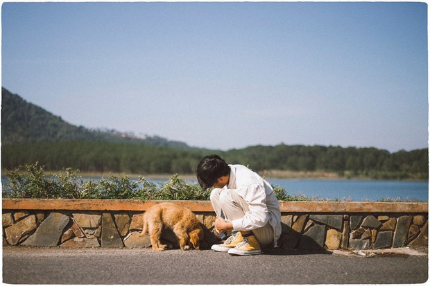 Ngắm bộ ảnh trai đẹp du lịch cùng cún cưng này mới thấy: Đi Đà Lạt với người yêu hay bạn thân là xưa rồi! - Ảnh 20.