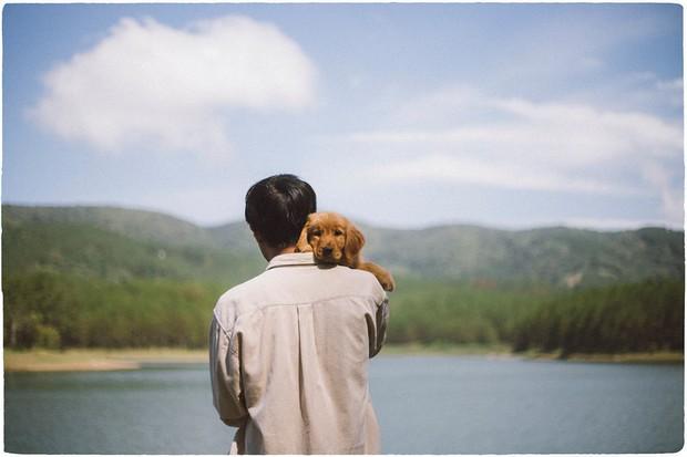 Ngắm bộ ảnh trai đẹp du lịch cùng cún cưng này mới thấy: Đi Đà Lạt với người yêu hay bạn thân là xưa rồi! - Ảnh 17.