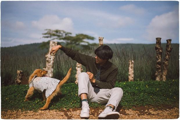 Ngắm bộ ảnh trai đẹp du lịch cùng cún cưng này mới thấy: Đi Đà Lạt với người yêu hay bạn thân là xưa rồi! - Ảnh 16.