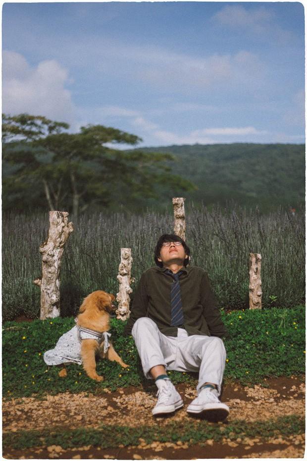 Ngắm bộ ảnh trai đẹp du lịch cùng cún cưng này mới thấy: Đi Đà Lạt với người yêu hay bạn thân là xưa rồi! - Ảnh 13.
