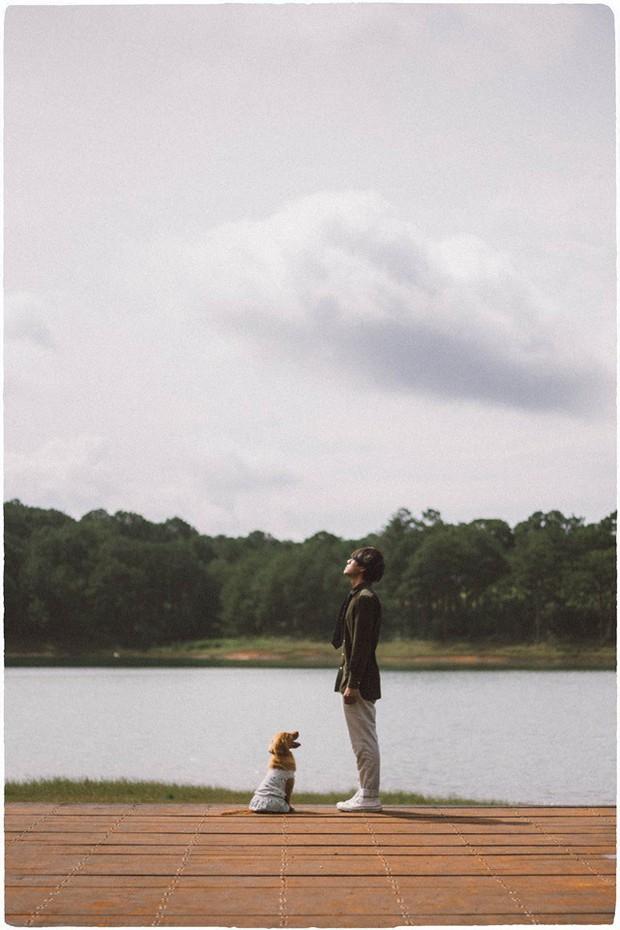 Ngắm bộ ảnh trai đẹp du lịch cùng cún cưng này mới thấy: Đi Đà Lạt với người yêu hay bạn thân là xưa rồi! - Ảnh 3.