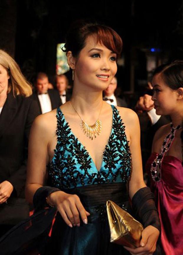 Sao Việt đến Cannes qua các mùa: Người vinh dự có tác phẩm, kẻ tơ hơ không ai biết xuất hiện để làm gì - Ảnh 3.