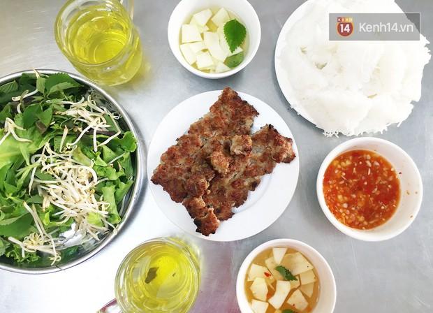 Từ kinh đô về cố đô, từ Hà Nội đến Ninh Bình thôi mà món bún chả đã khác xa thế này - Ảnh 3.