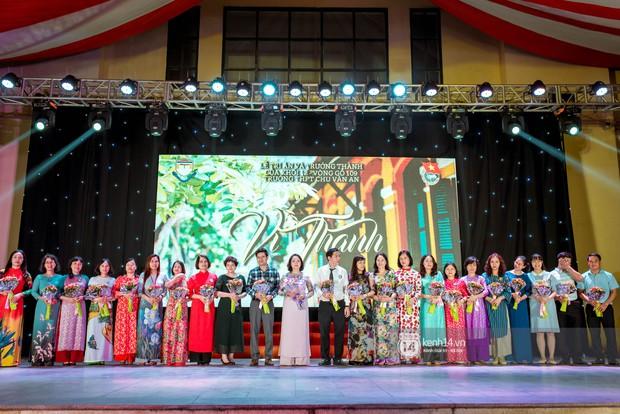 Nữ sinh lớp 12 trường Chu Văn An lột xác quyến rũ bất ngờ, sexy hết nấc trong tiệc trưởng thành đầy sang chảnh - Ảnh 8.