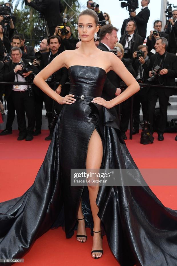 Cannes ngày 8: Mỹ nhân Ý khoe vòng 1 nhức mắt, dàn người mẫu Hollywood tung chiêu hết cỡ tại thảm đỏ - Ảnh 16.