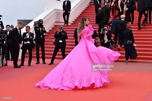 Cannes ngày 8: Mỹ nhân Ý khoe vòng 1 nhức mắt, dàn người mẫu Hollywood tung chiêu hết cỡ tại thảm đỏ - Ảnh 7.