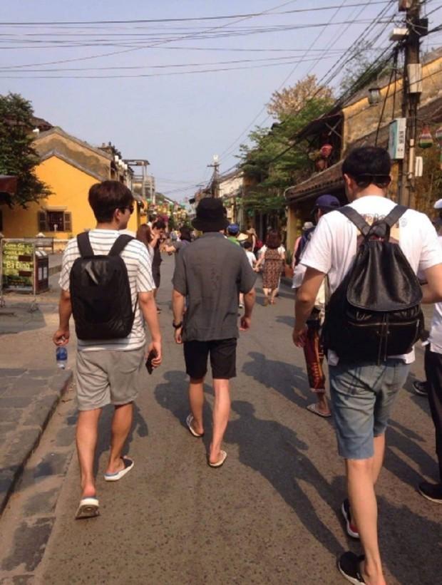 """Mách ngay """"tất tần tật"""" địa điểm mà loạt sao Hàn đã ghé khi đến Đà Nẵng nếu các fan muốn có """"cheap moment"""" với Idol - Ảnh 13."""