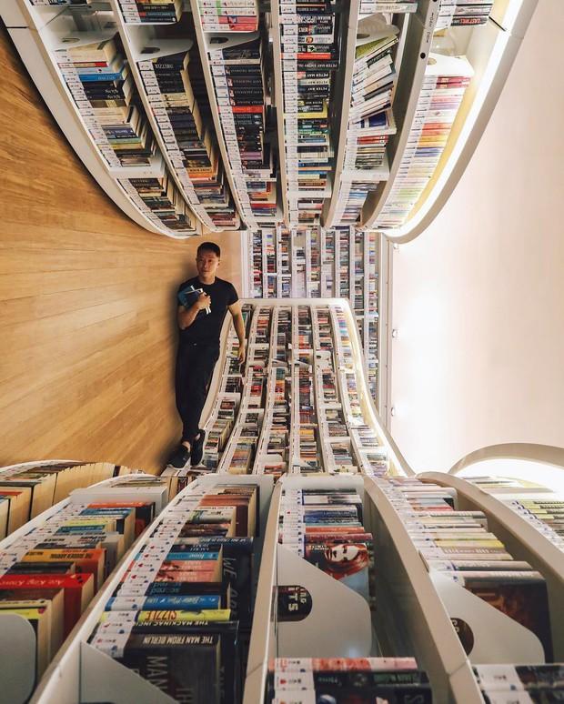 Lộ diện thư viện sống ảo đẹp nhất Singapore cực hiếm người biết, nơi bước 1 bước là chụp được 10 kiểu ảnh! - Ảnh 25.