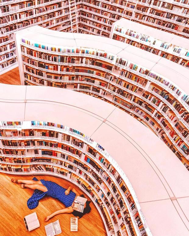 Lộ diện thư viện sống ảo đẹp nhất Singapore cực hiếm người biết, nơi bước 1 bước là chụp được 10 kiểu ảnh! - Ảnh 22.