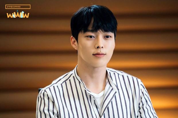 Vừa làm sát thủ, trai đẹp Jang Ki Yong nay lại làm phi công nội tâm diễm tình nhất màn ảnh Hàn! - Ảnh 4.